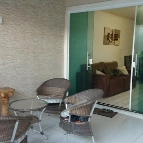 Vendo casa com piscina no Res Pinheiros II