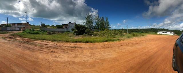 Terreno com duas frentes, de esquina, na praia de Baia Formosa/RN