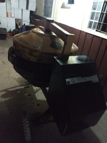 Reparo de torneira 400 l menegotti com motor 110/220 2cv semi-nova - Foto 2