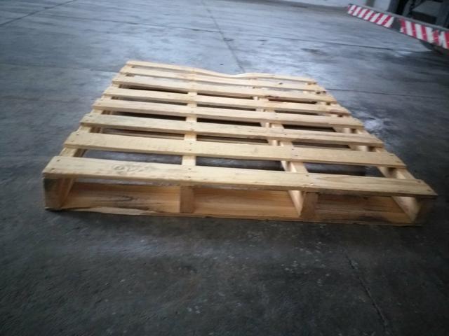 Pallet de madeira - Foto 4