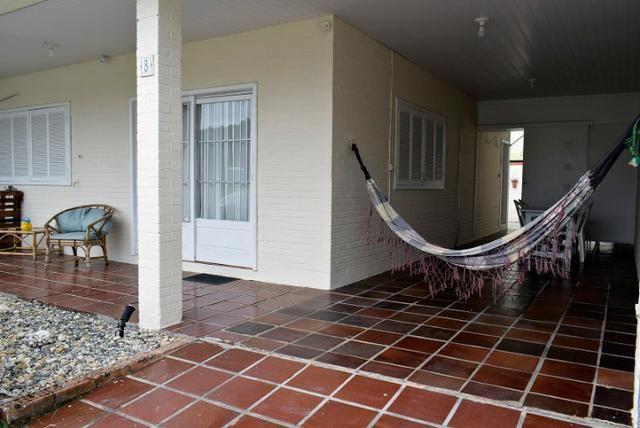 Casa com ar condicionado e WI-FI, a 15 m do mar na Praia da Ilhota, Itapema - Foto 4