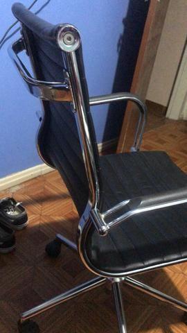 Cadeira escritório presidente giratória - Foto 4