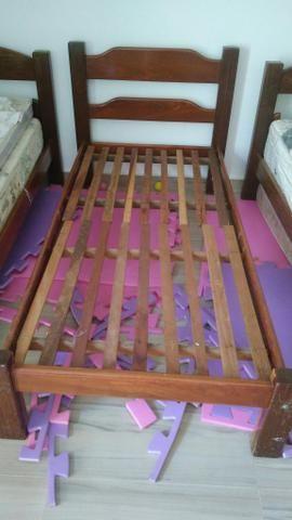 Cama de madeira - solteiro
