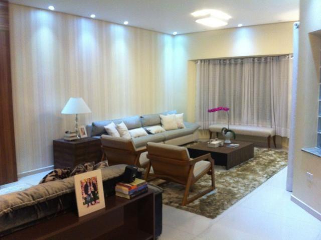 Casa nova com 4 suítes em bairro nobre - Foto 4