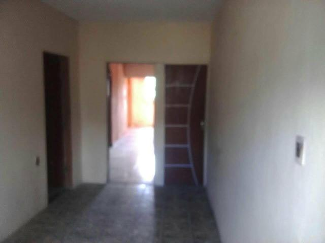 Vende ou troca-se uma casa em Celular *