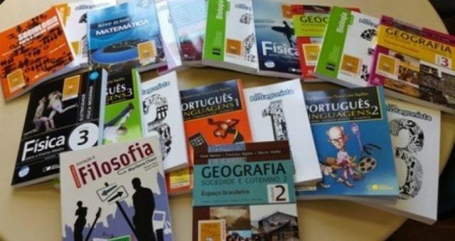 Trabalhamos com Livros Didáticos - Ensino médio e Fundamental