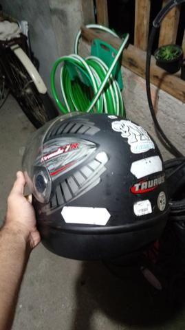 Vendo capacete tauros