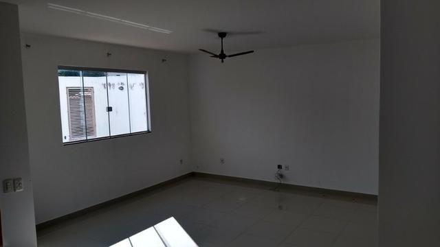 Samuel Pereira oferece: Casa Sobradinho RK 4 Suites Alto Padrão Churrasqueira Aceita troca - Foto 3