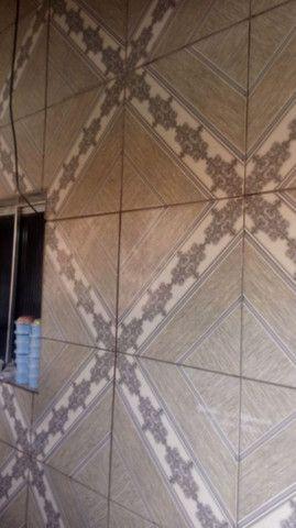 Vende-se uma casa toda na cerâmica,estilo kitinet - Foto 3
