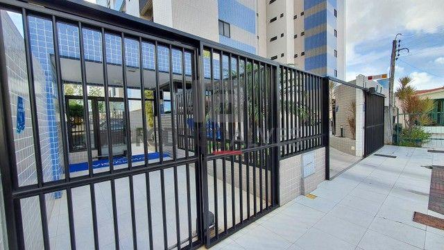 Apartamento para Venda em Maceió, Farol, 3 dormitórios, 1 suíte, 3 banheiros, 2 vagas - Foto 3