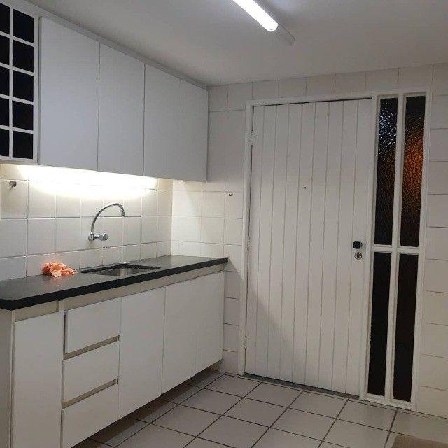 APT, 3/4, Jatiúca, 1 Suíte, DCE com banheiro e armários planejados - Foto 2