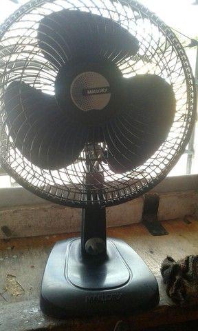 Vendo 2 ventilador um malory e um mundial