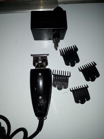 Máquina de cabelo (acabamentos) andis gtx.