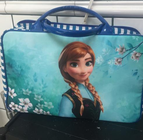 Mala e blusa da Frozen