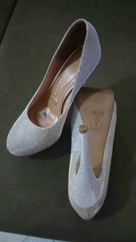 Sapato prata com glitter lindo - Foto 3