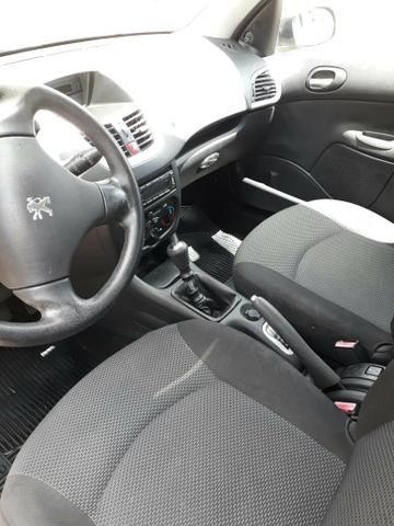Peugeot 207 2013 completo e conservado - Foto 4