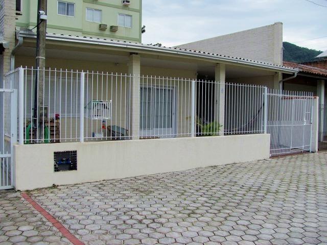 Casa com ar condicionado e WI-FI, a 15 m do mar na Praia da Ilhota, Itapema - Foto 2