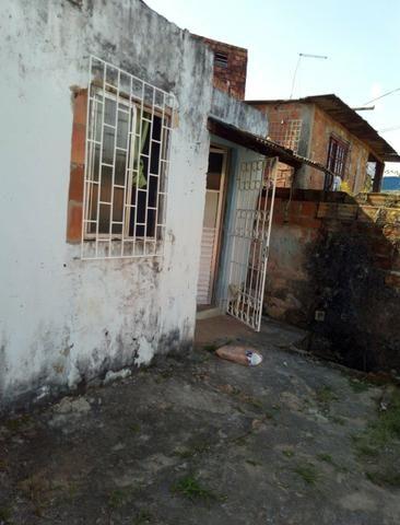 Vendo ou troco por casa em outro bairro - Foto 4