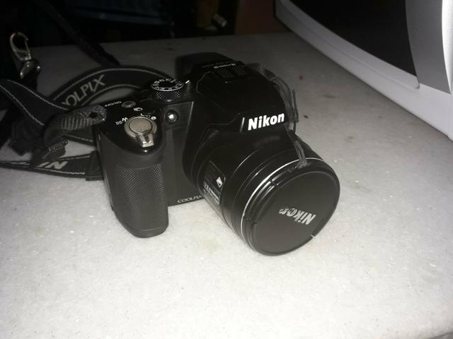 Câmera NIKON profissional COOLPIX P500