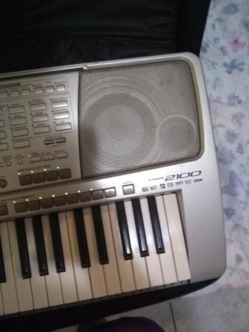 Teclado Yamaha PSR 2100