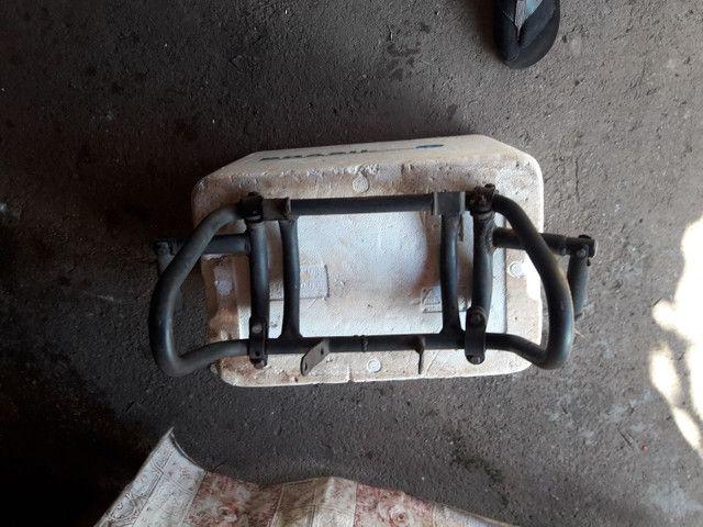 Vendo protetor de motor com pedaleiras  - Foto 2