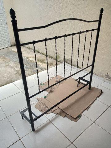 Cabeceira de casal toda em ferro perfeita para sua cama box, valor negociável  - Foto 3