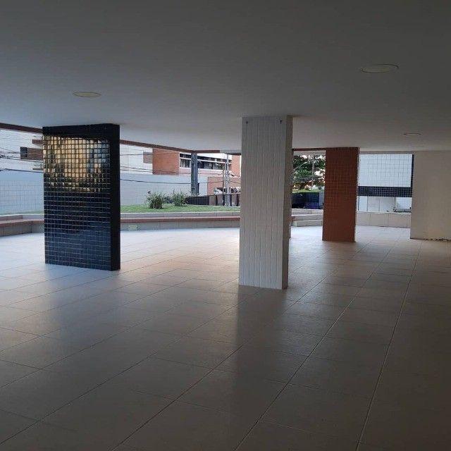 APT, 3/4, Jatiúca, 1 Suíte, DCE com banheiro e armários planejados - Foto 4