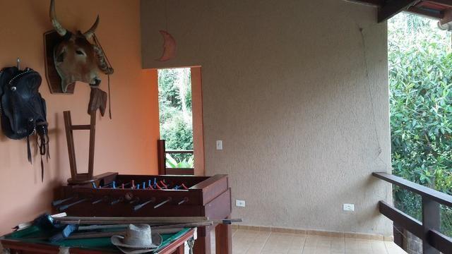 No Caputera - Chácara 2040 m² - toda murada- ótima casa - IPTU em dia - Foto 2