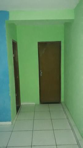 ALUGA-SE Casa com 01 quartos 350.00 Cabula - Foto 5