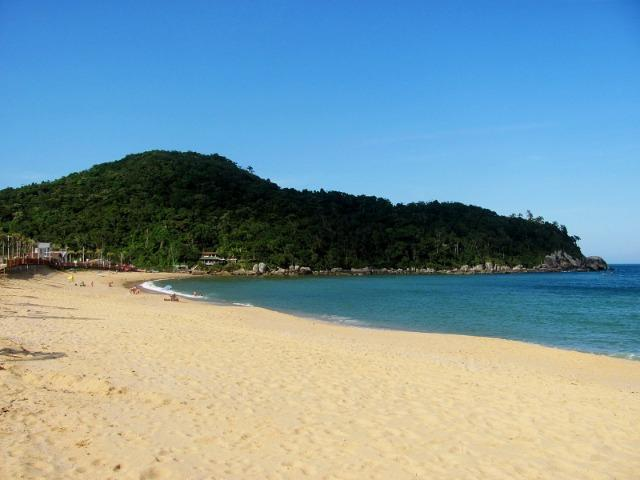 Casa com ar condicionado e WI-FI, a 15 m do mar na Praia da Ilhota, Itapema - Foto 20