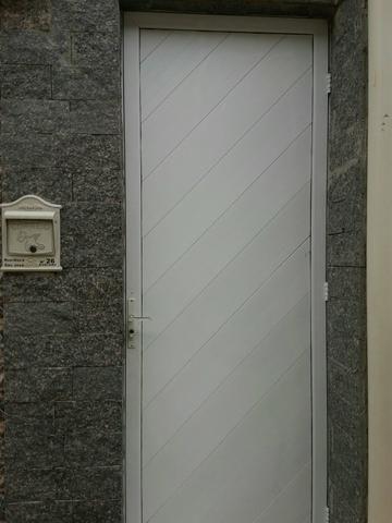 Vende - se um prédio composto por 5 casas - Foto 11