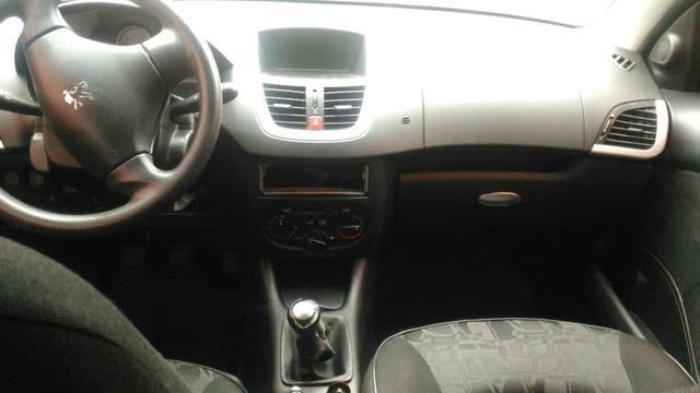 Peugeot 207 sedan Preta - Foto 5