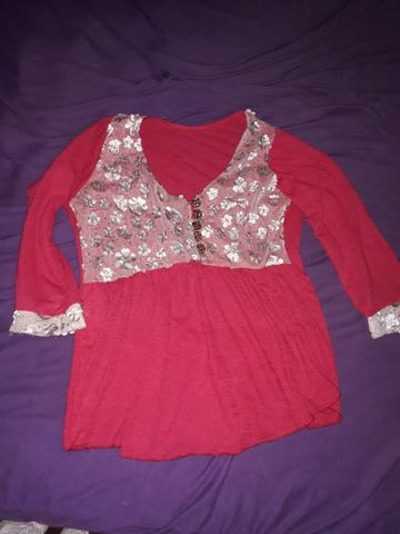 Vendo blusa rosa de manga longa