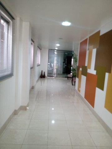 8062 | Apartamento para alugar com 4 quartos em Zona 07, Maringá - Foto 4