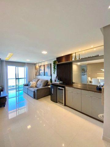 Apartamento 03 quartos sendo 01 suite vista mar em Macae