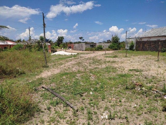 Vendo um terreno medindo 10 de frente e trinta metrô de comprimento - Foto 2