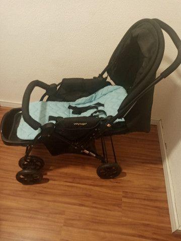 Carrinho de bebê e bebê conforto - Foto 2