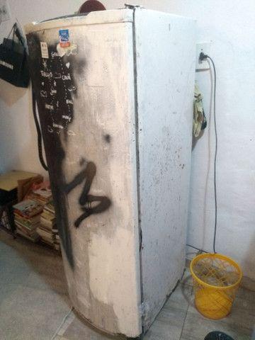 Geladeira quebra galho  - Foto 2