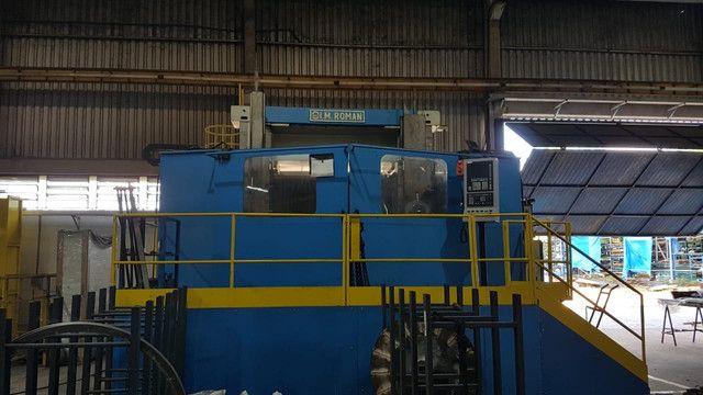Torno vertical CNC 2500 placa