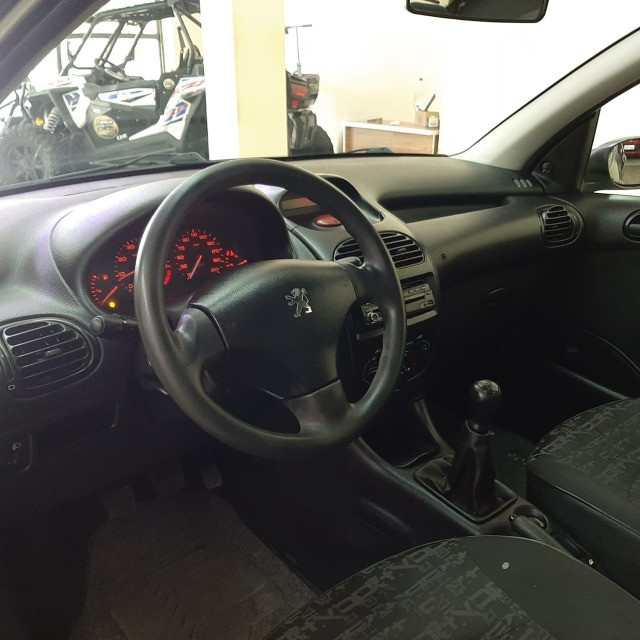 Peugeot Hatch 206 1.4 Mec. Flex 2008/2008 - Foto 17