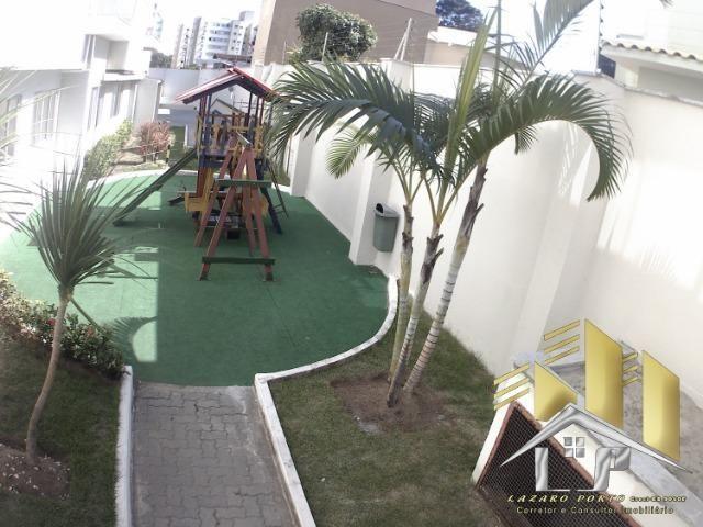 Laz - Apartamento com varanda e com modulados em Manguinhos