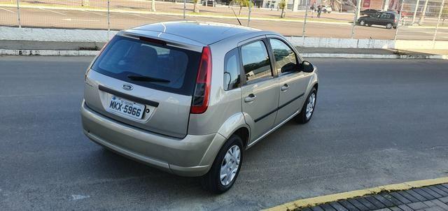 Fiesta Hatch SE 1.0 2014 - Foto 11