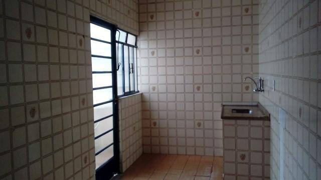 Aluga-se apartamento no Retiro - VR - Foto 7
