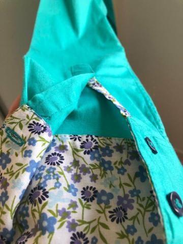 Camisa azul Tiffany com detalhes florais - Foto 3