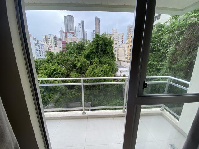 Aluga apartamento 2 dormitórios mobiliado centro Balneário Camboriú - Foto 7