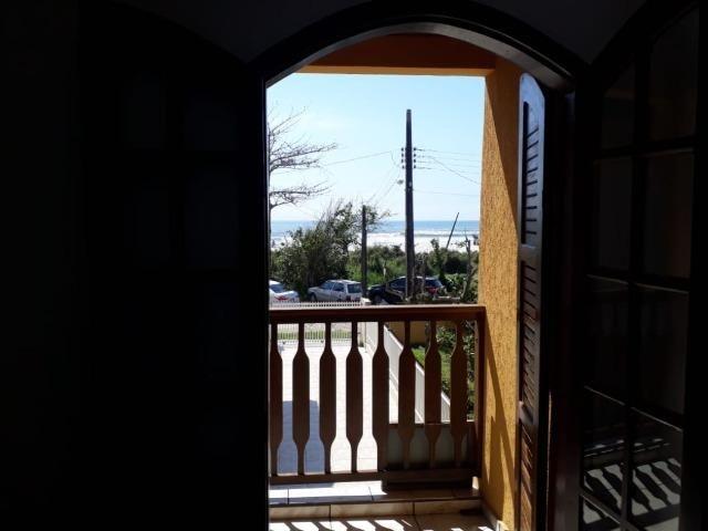 Itapoá/SC - Casa em frente ao mar - Foto 14
