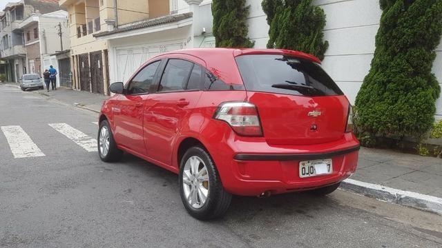 Chevrolet - Agile LTZ 1.4 Flex 2014 Vermelho Completo Super Novo Doc OK - Foto 2