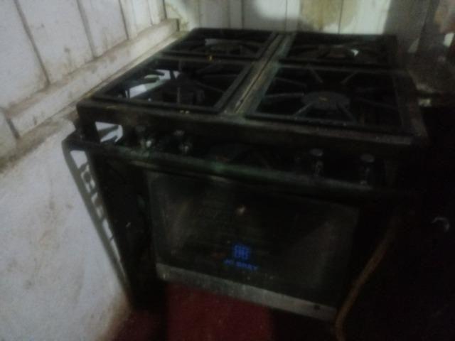 Vendo fogão industrial em ótimo estado - Foto 2