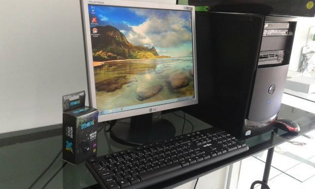 Computador PC Completo, Monitor 17 polegadas. Bem conservado. Em estado de novo!