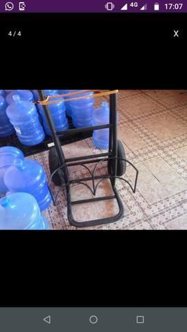 Compro. Carro de água mineral.